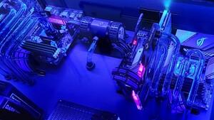 Watercooled Desk-2X-PC: Ryzen 9 5900X und Core i5 im wassergekühlten Schreibtisch