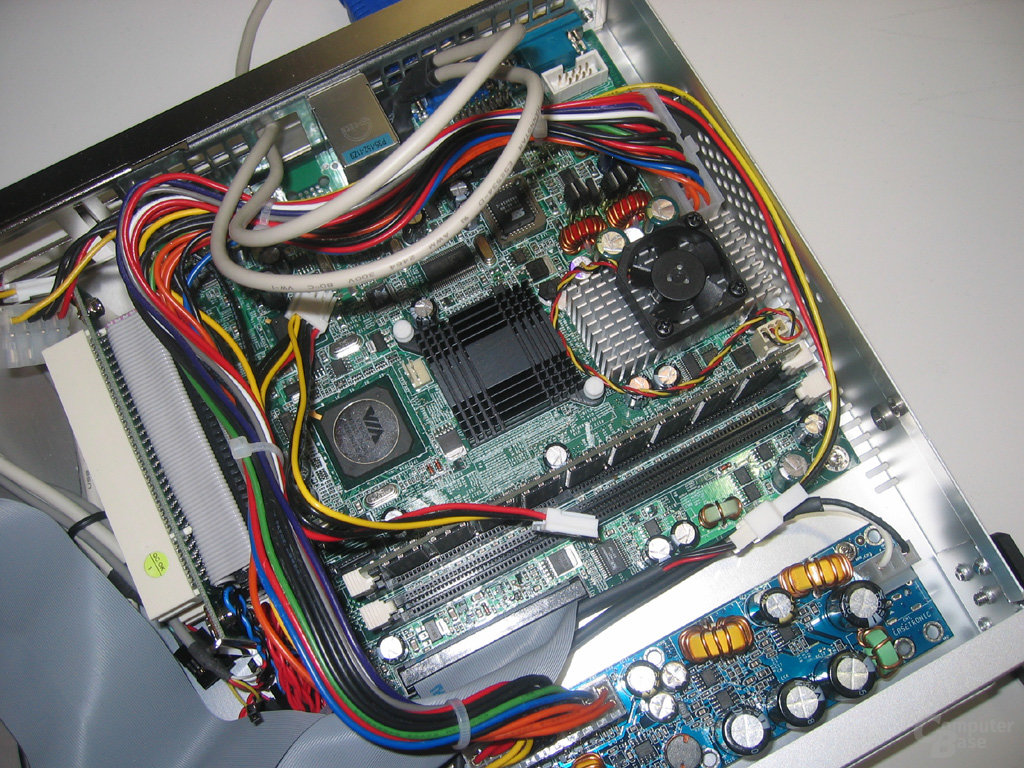 VIA mITX-Mainboard (2)