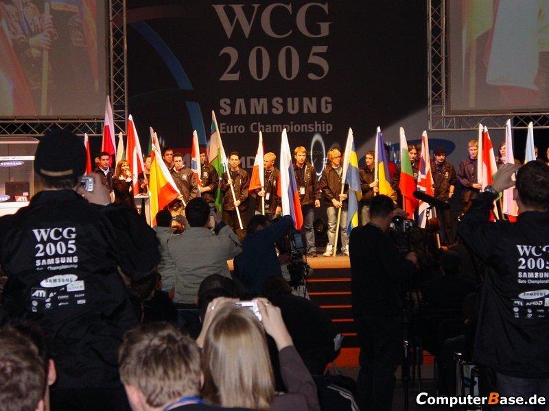 WCG2005 Samsung Euro Championchip Eröffnungsfeier - Flaggeneinlauf