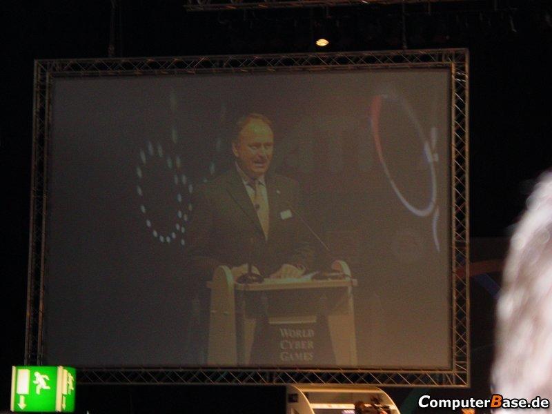 WCG2005 Samsung Euro Championchip Eröffnungsfeier - Rede von Ernst Raue (Deutsche Messe AG)