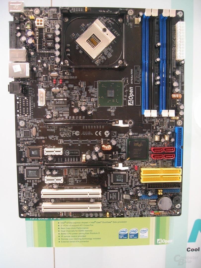 AOpen Mainboard mit i975X und Sockel 479