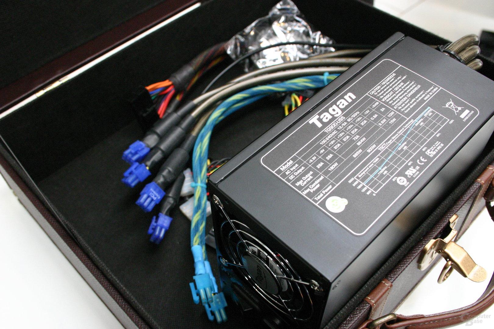 Netzteil von Tagan mit 900 Watt