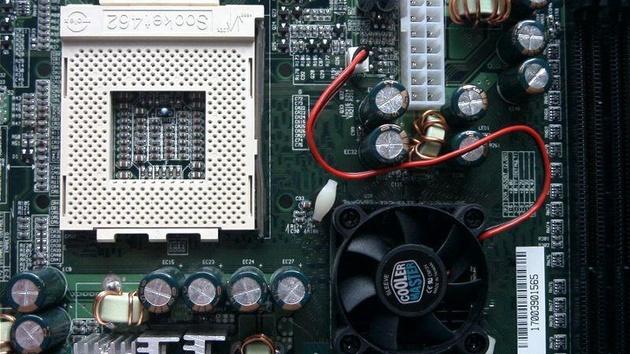 EPoX 8K7A+ im Test: Die nicht schnellere Alternative