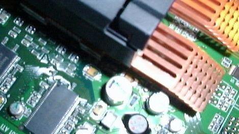 Grafikkarten passiv kühlen: Eine Radeon 7500 auf lautlos getrimmt
