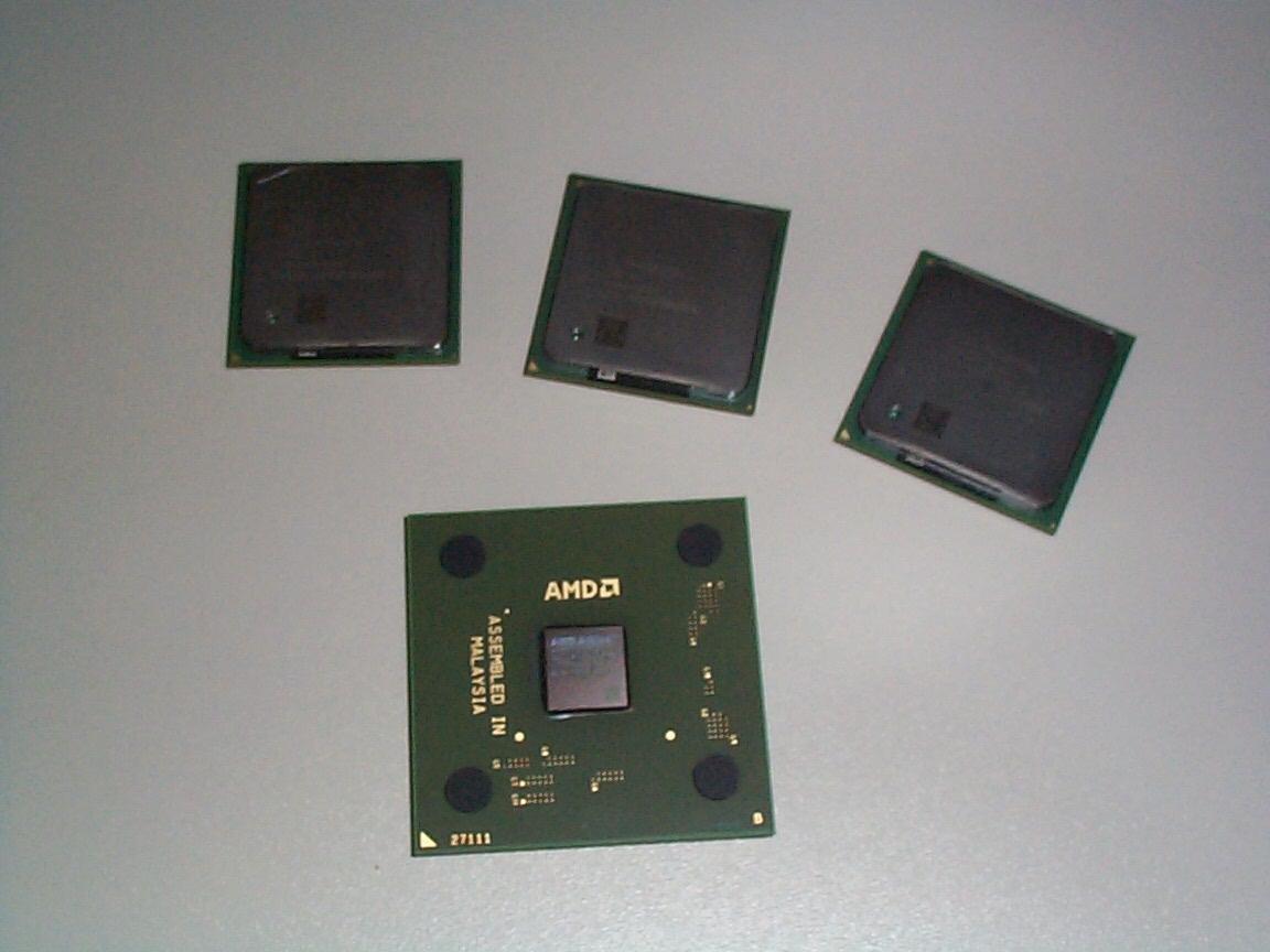 Athlon XP und drei Pentium 4