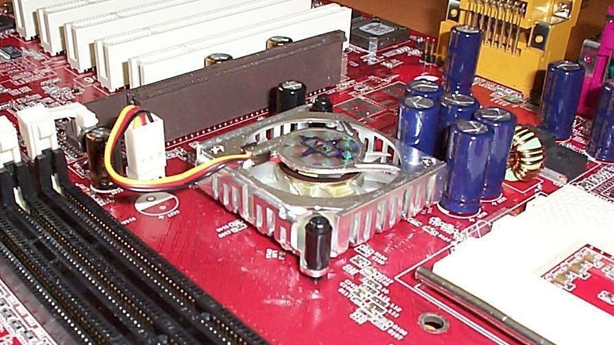 VIA KT333 im Test: EPoX 8K3A+ gegen MSI KT3 Ultra ARU