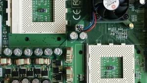 Epox M762A und Gigabyte A-7DPXDW im Test: Dual-AMD Mainboards im Vergleich