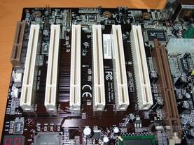 EP-4G4A+ PCI-Slots