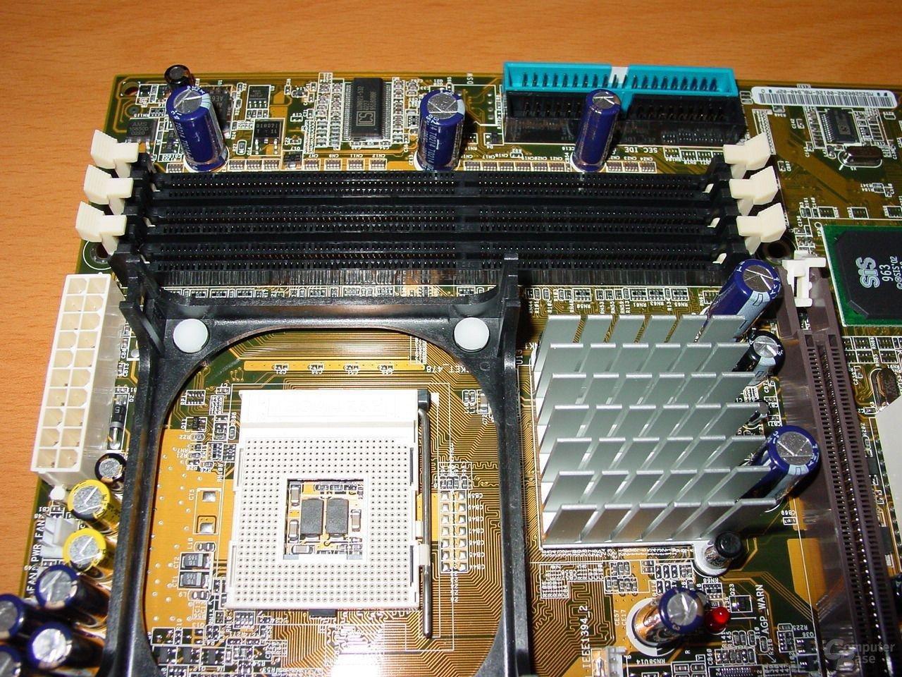 P4S8X - Sockel - RAM