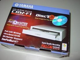 Verpackung Yamaha CRW-F1