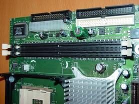 D845GEBV2 - RAM - IDE - Strom