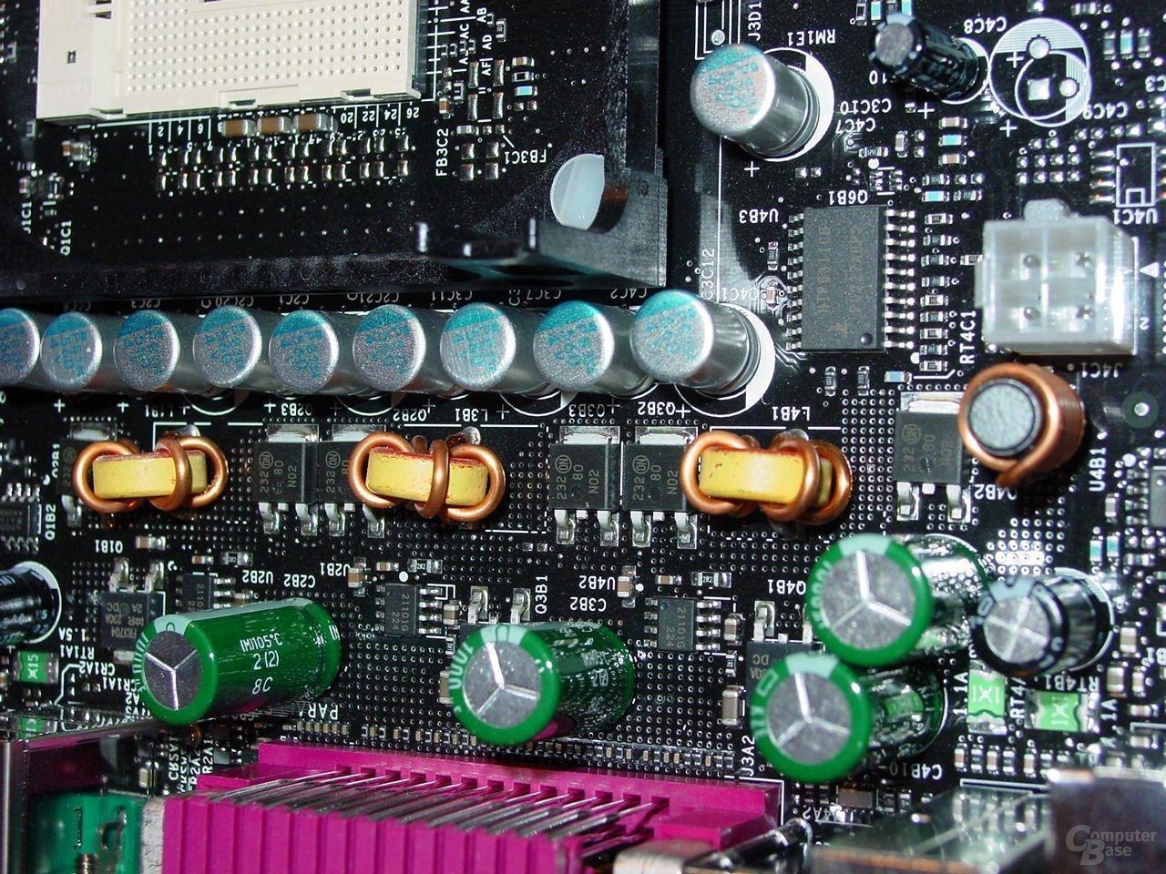 D845PEBT2 - Spannungsregulatoren