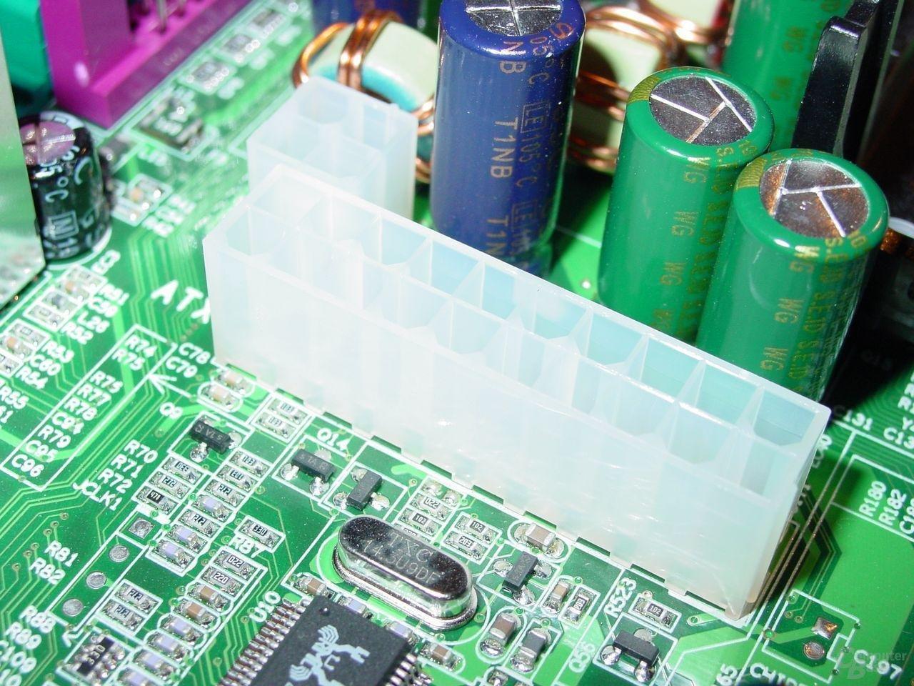 EPoX EP-4SDA5+ - Power-Connector