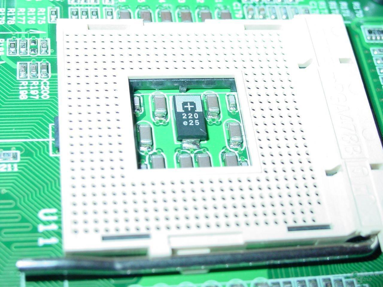 EPoX EP-4SDA5+ - Sockel