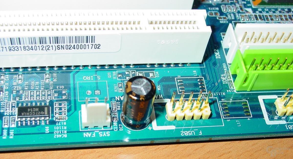 Gigabyte - GA-8SG667 - FAN und USB Anschluss