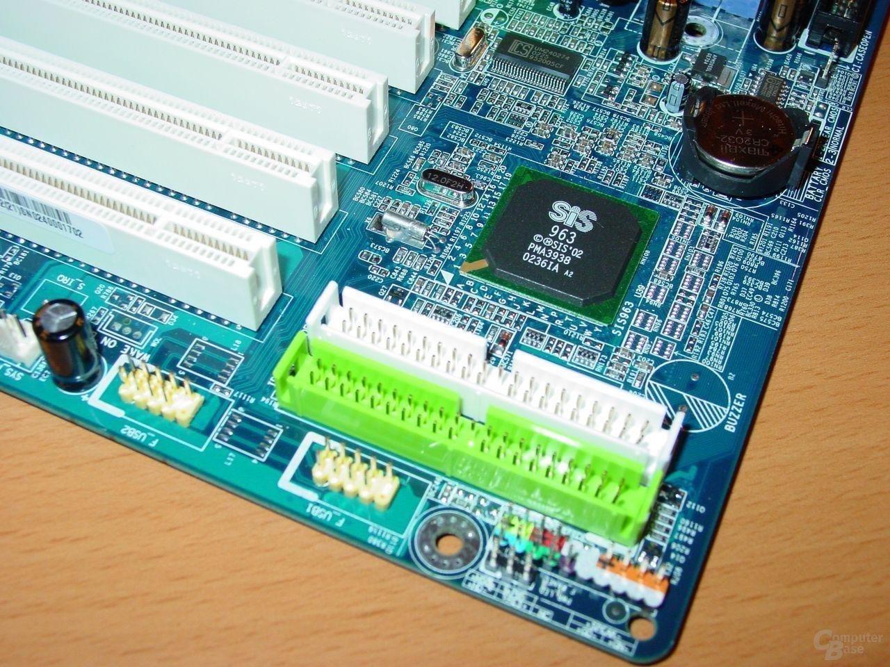 Gigabyte - GA-8SG667 - IDE