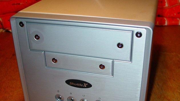 Shuttle SN41G2 im Test: Kompakter Wohnzimmer-PC mit nForce 2