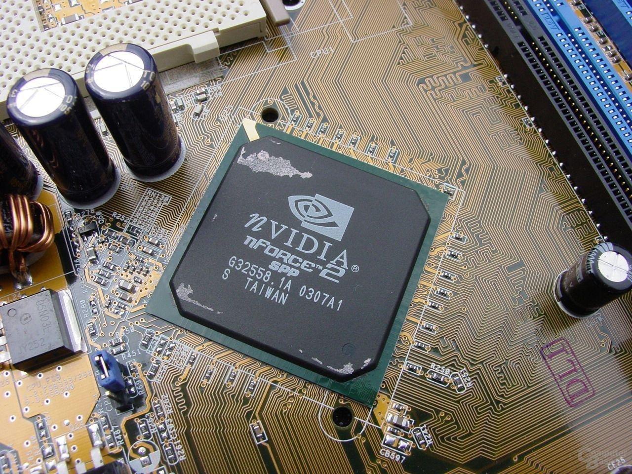 nForce2 400 Ultra SPP von 07/03 und Revision C1 (Windows), bzw. Crush18D A1 Stepping