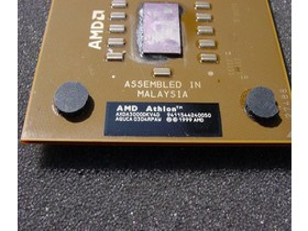 Athlon XP 3000+ mit FSB333 am D im Produktcode erkennbar