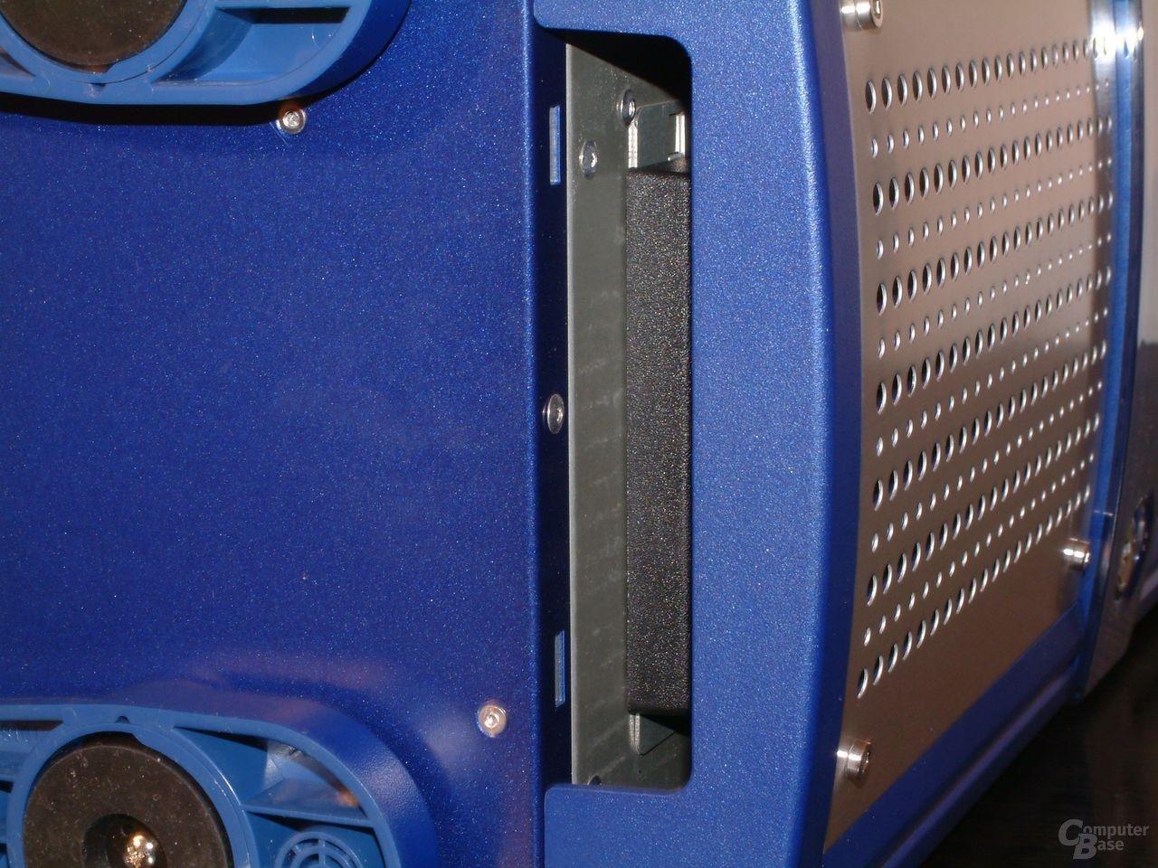 Detail Luftöffnung Unterseite Fronttür