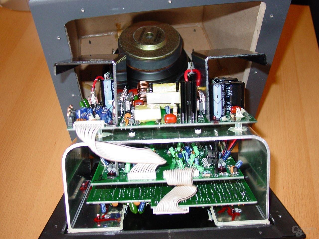 Megaworks 550 THX Electronic Detail