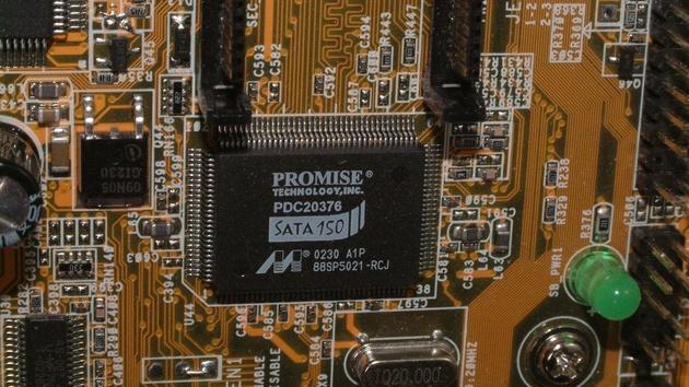 Fünf S-ATA-RAID-Controller im Test: Datendurchsatz ohne Ende