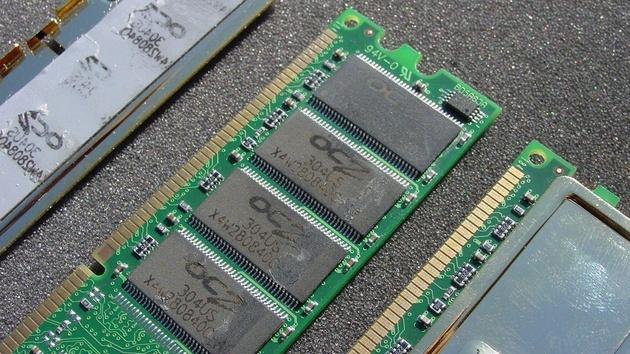 DDR466 von Corsair und OCZ im Test: Duell weit außerhalb der Spezifikationen