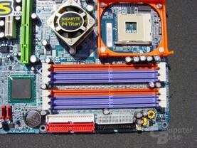 Gigabyte GA-8PENXP mit 6 DIMMs