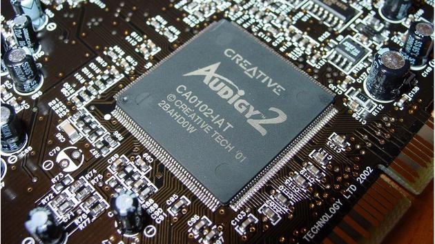Audigy 2 Platinum eX im Test: Viel Hardware für viel Geld