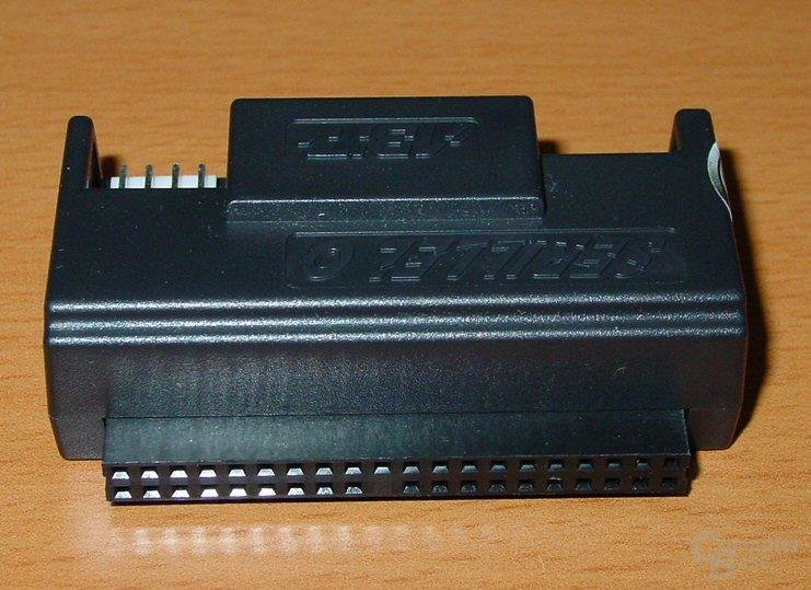 Abit IC7-G - PATA-SATA Adapter