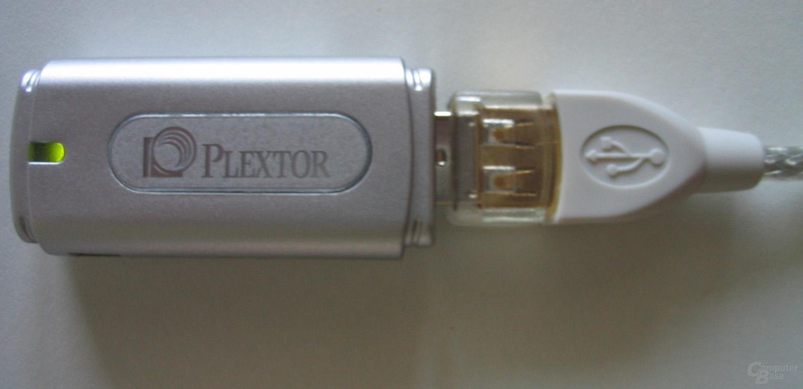 Plextor Plexflash PX-F512 am Verlängerungskabel in Betrieb