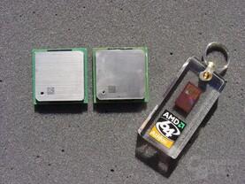 v.l.n.r.: Pentium 4 3,2 GHz, Pentium 4 Exteme Edtion 3,2 GHz