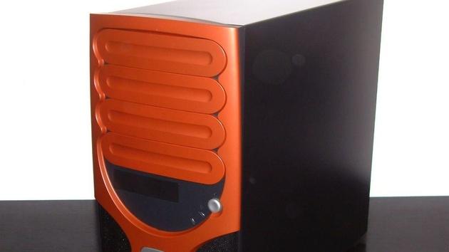 Chenbro Gaming Bomb im Test: Dieses Gehäuse fällt um jeden Preis auf