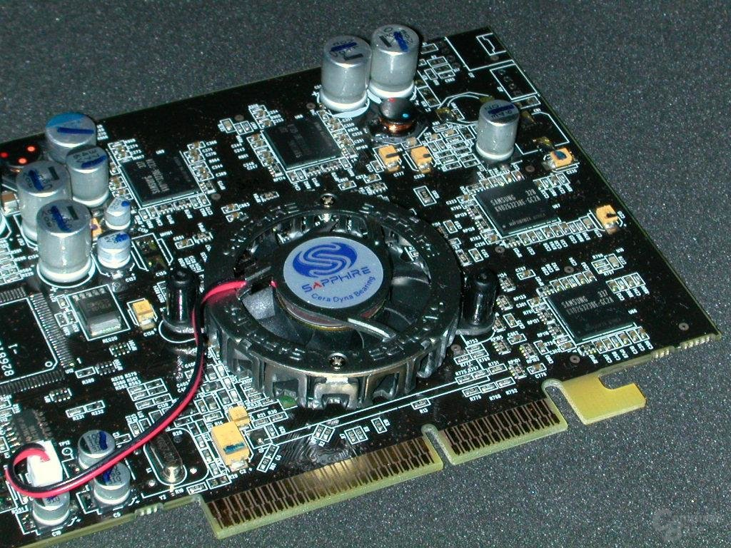 Sapphire Atlantis Radeon 9600 XT Fireblade Edition