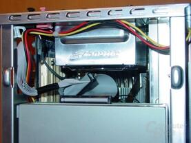 Freiraum im XPC bei montiertem CD-ROM Laufwerk