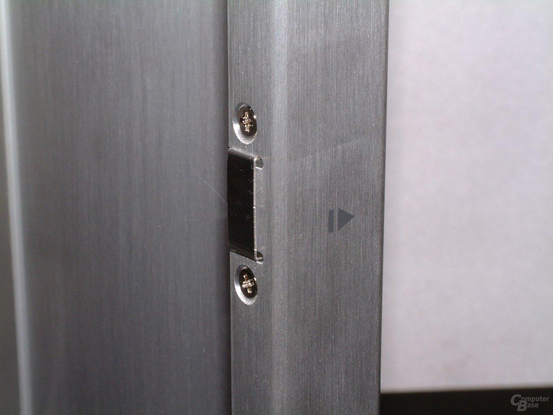 Tür mit Magnet