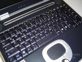 Tastatur: halbtransparentes rauchblau