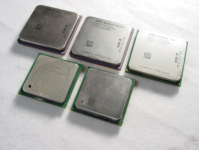 v.l.n.r.: Athlon 64 FX-53, Athlon 64 FX-51, Athlon 64 3400+, Pentium 4 Extreme Edition 3,4 GHz, Pentium 4 3,2E GHz