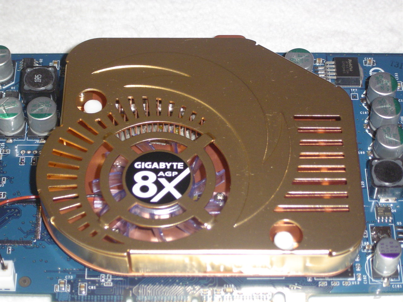 Gigabyte GeForce FX 5900 XT