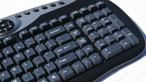 EPoX Peripherie im Test: Bluetooth-Maus und -Tastatur vom Mainboard-Hersteller