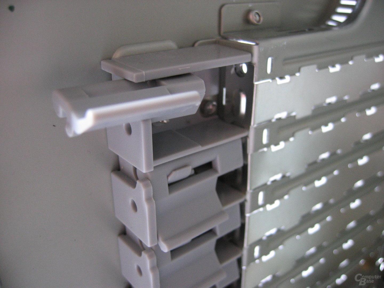 Casetek: Steckkartenhalter