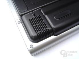 Asus M68Ne: Boxen an der Unterseite