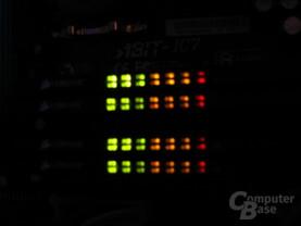 Vier Mal Corsair-Speicher mit LEDs bei Nacht