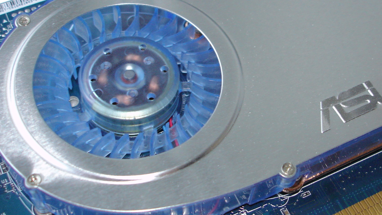 Asus V9999GT/TD/128 im Test: GeForce 6800 GT für kleines Geld