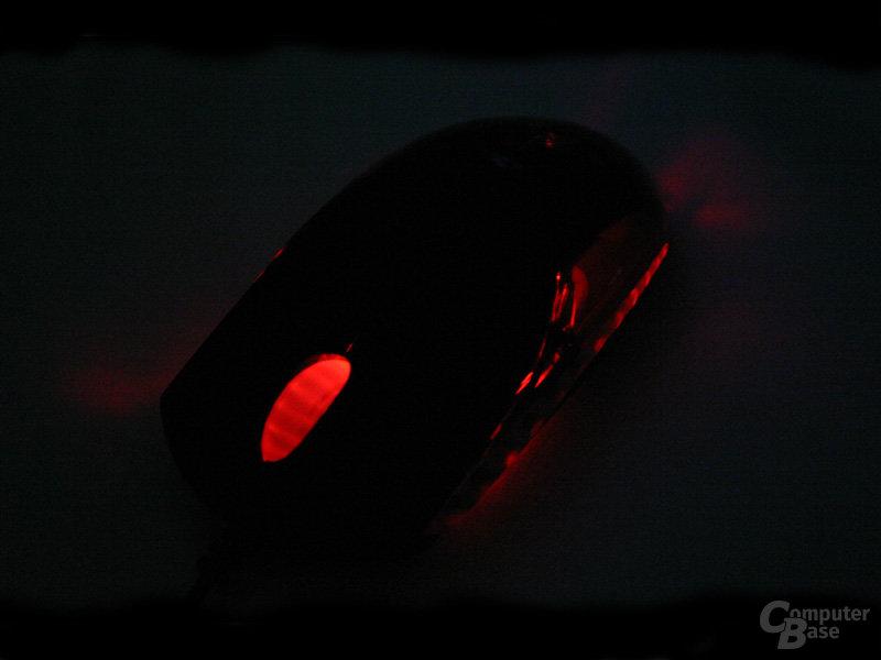 Razer Diamondback im Dunkeln von vorn