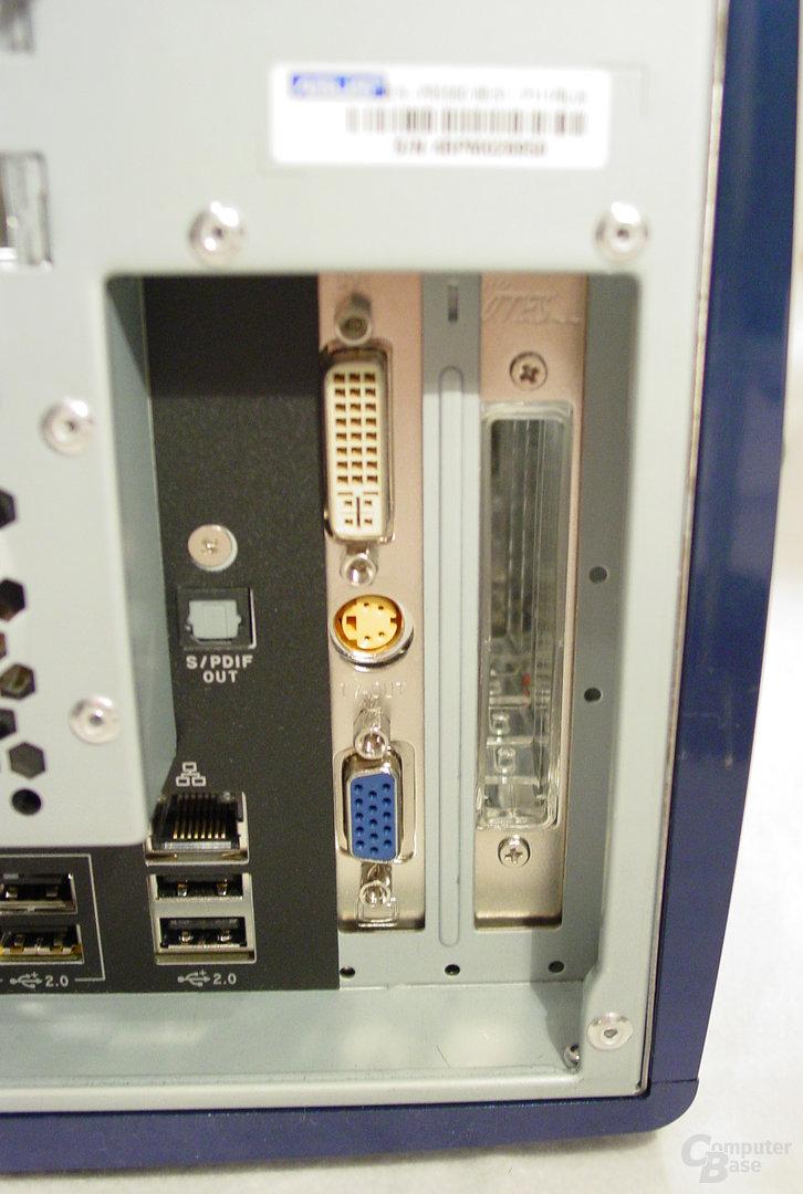 Asus S-presso S1-P111 Deluxe - Inkompatibilität - Rückseite mit installierter GeForce FX 5900