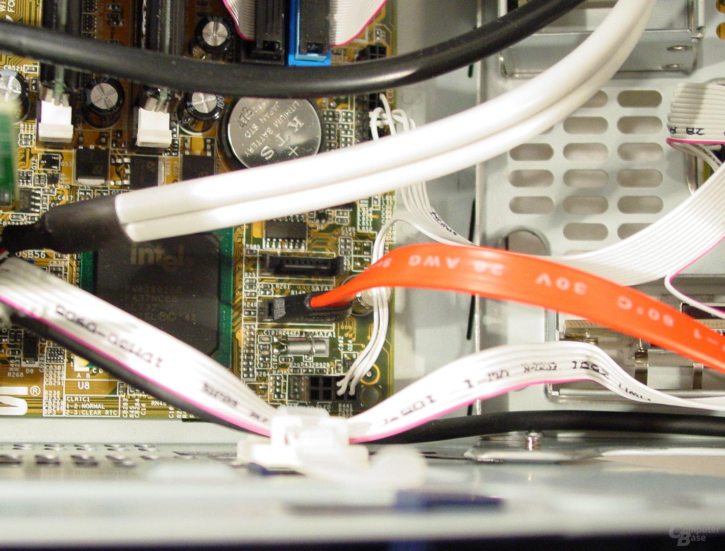 Asus S-presso S1-P111 Deluxe - Installation - ICH5 und S-ATA-Anschlüsse