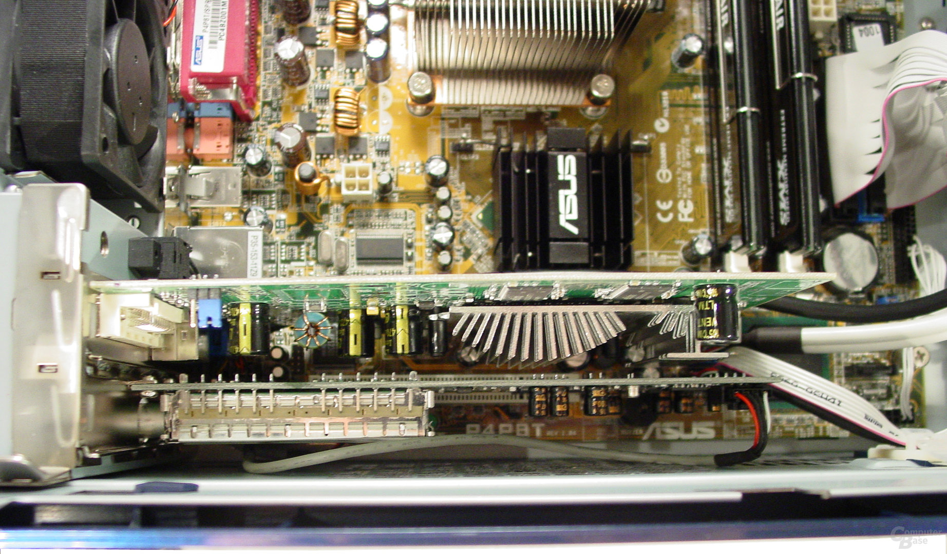 Asus S-presso S1-P111 Deluxe - Installation - TV-Karte und Radeon 9600