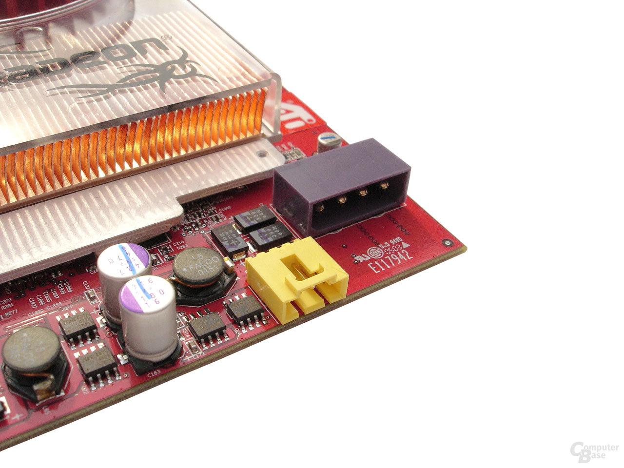 3,5-Zoll-Stromstecker und interner Video-Ausgang