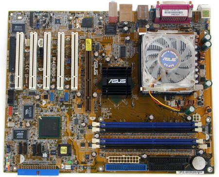 Unsere Testplatine: Das Asus P4C800-E Deluxe mit i875P-Chipsatz